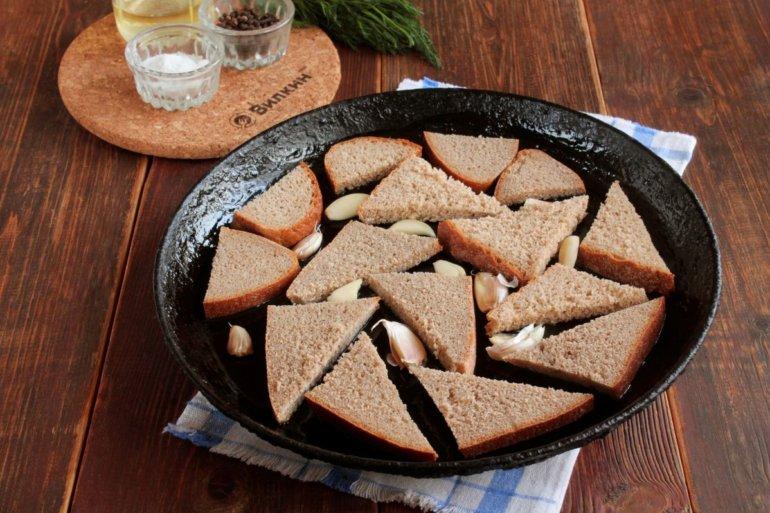 выкладка хлеба с чесноком в форму