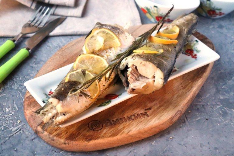 горячая печеная рыба