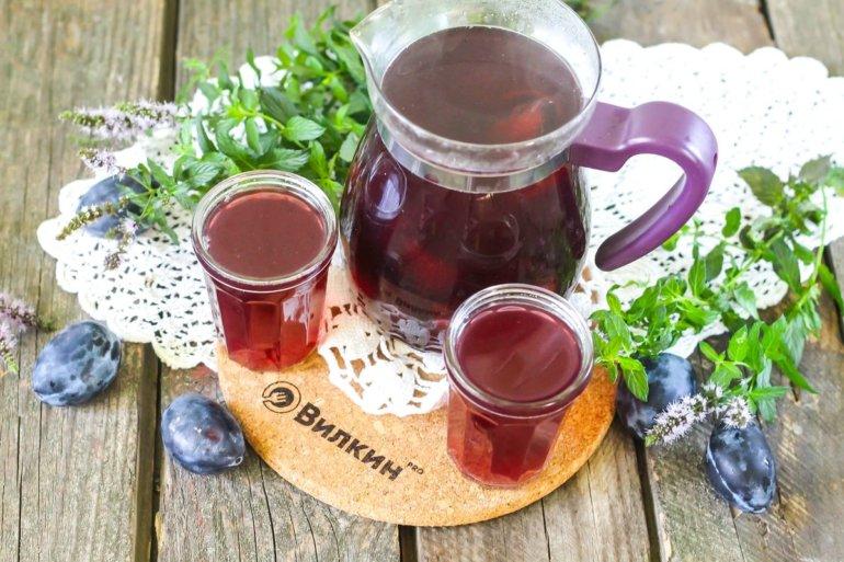 ароматный напиток из слив