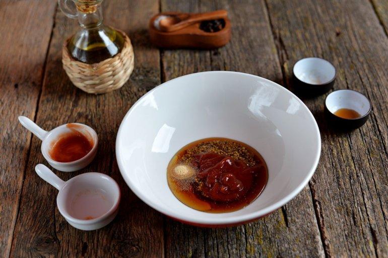 кетчуп, мед и соевый соус