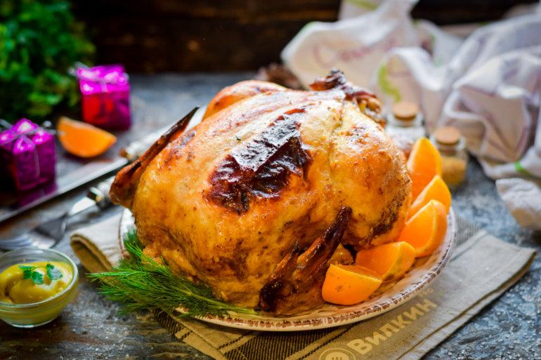 фаршированная курица, запеченная в духовке