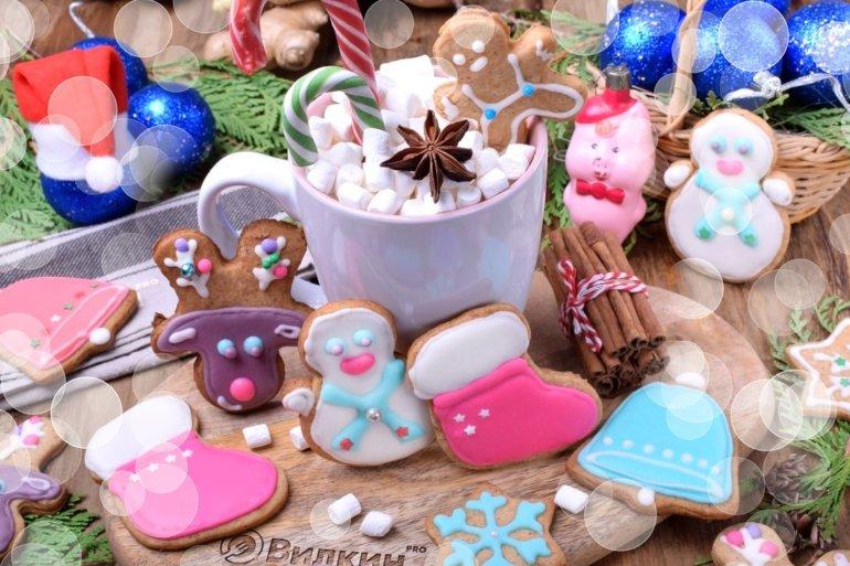 фигурное печенье из теста с имбирем и корицей