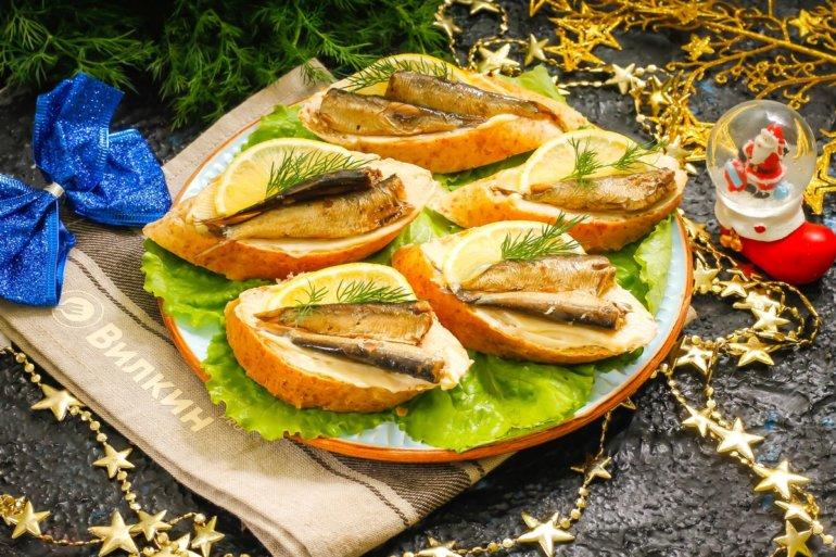 Бутерброды со шпротами на Новый Год