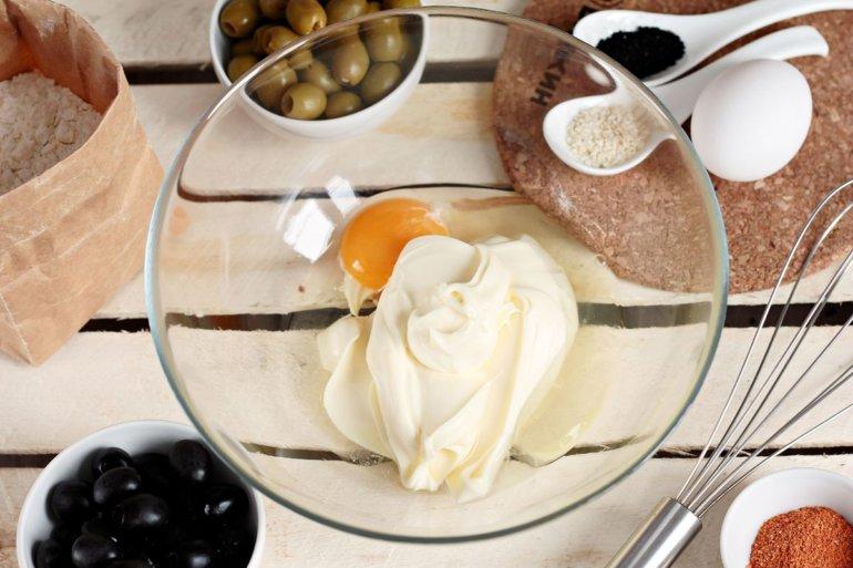 соединение сыра и яйца