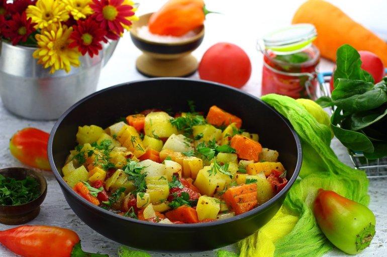 рагу с тыквой, кабачками и картошкой