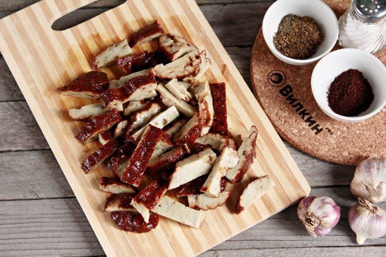 нарезка растительного мяса