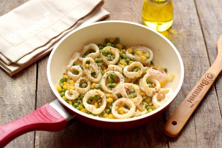 добавление морепродуктов к овощам