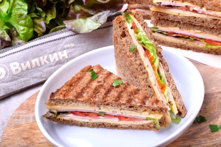 подача сэндвичей