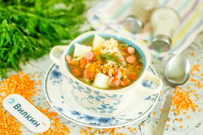 суп из красной чечевицы с колбасками