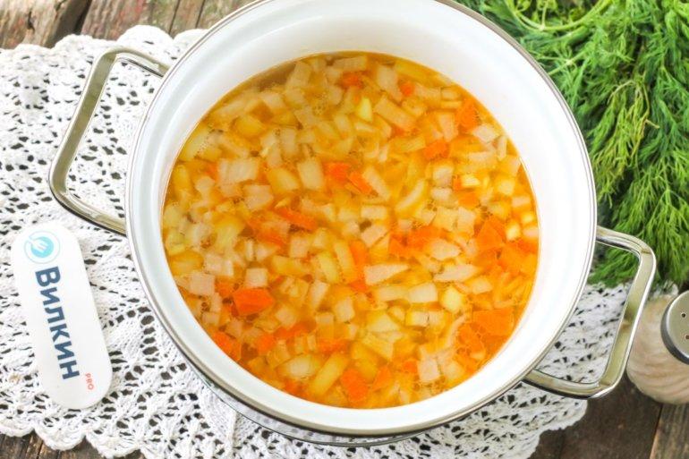 закладка овощей в бульон