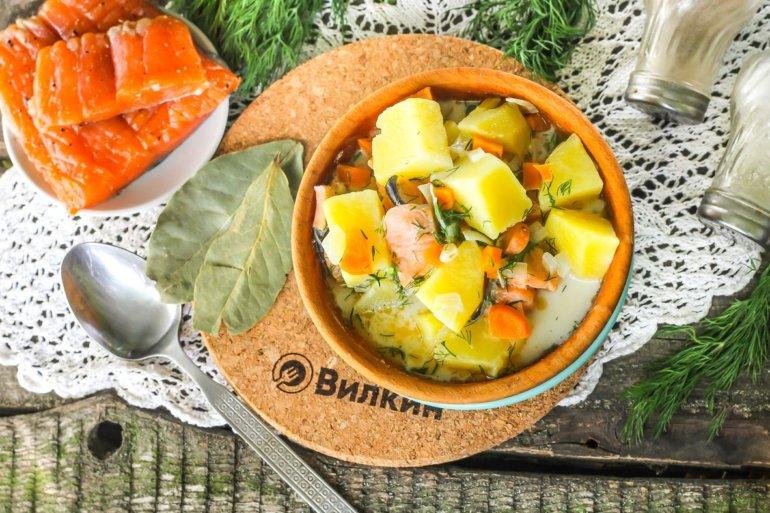 рыбный суп из семги и сливок