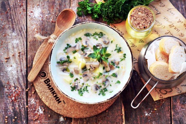 Суп с шампиньонами и плавленым сыром