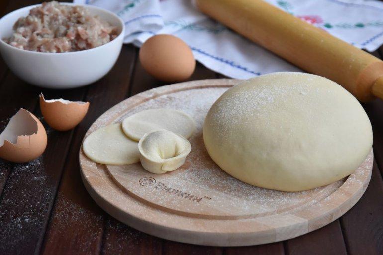 пельменное тесто на воде с яйцом