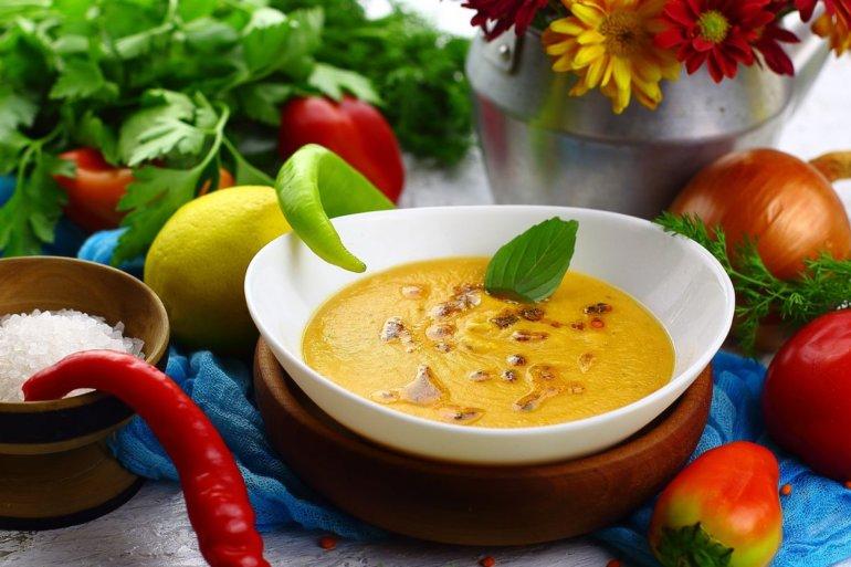Турецкий суп-пюре из красной чечевицы