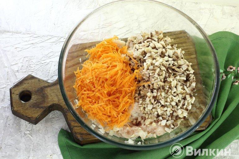 закладка моркови и грибов