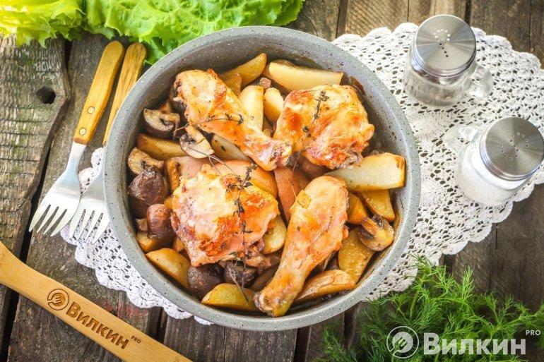 Курица с картошкой и шампиньонами в духовке