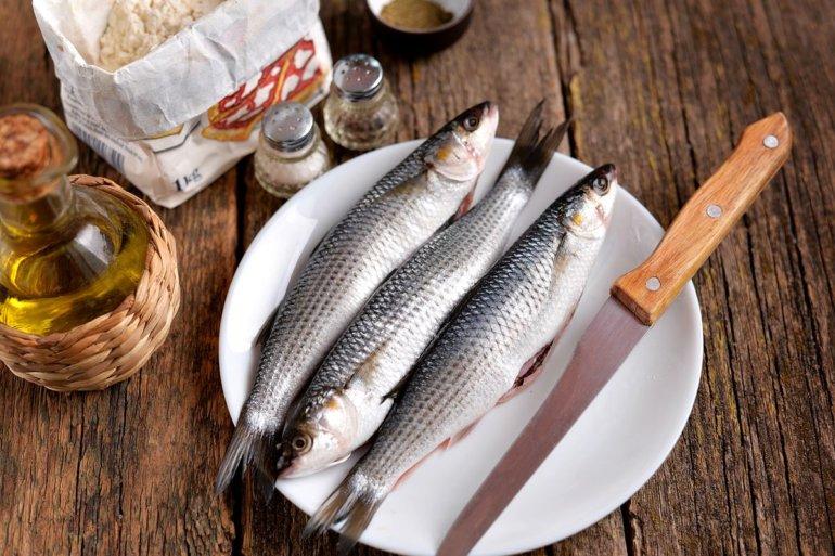 чистка рыбных тушек