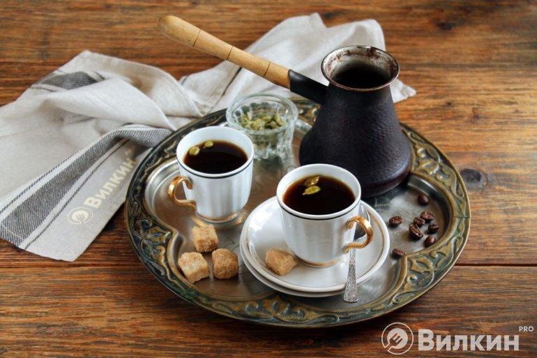 бодрящий кофе с ароматом кардамона