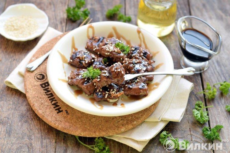 Говядина в соевом соусе на сковороде-гриль