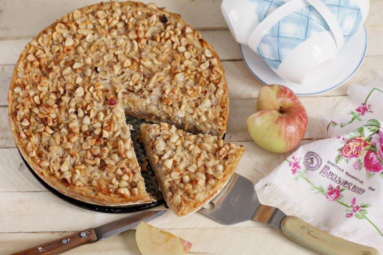 Насыпной пирог с яблоками по-болгарски