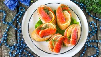 новогодние бутерброды с красной рыбой