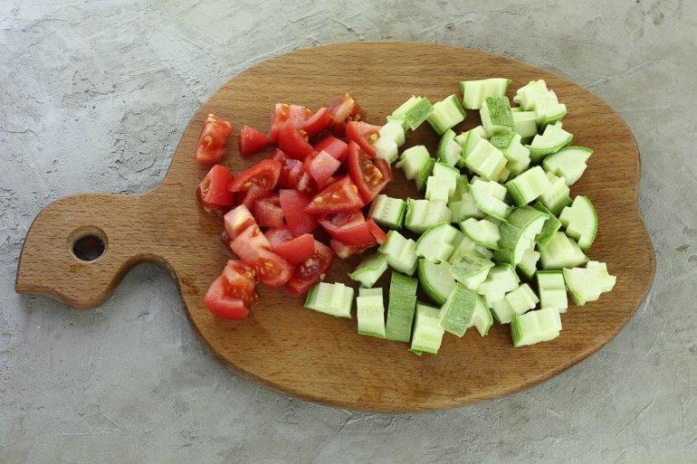 кабачки и помидоры