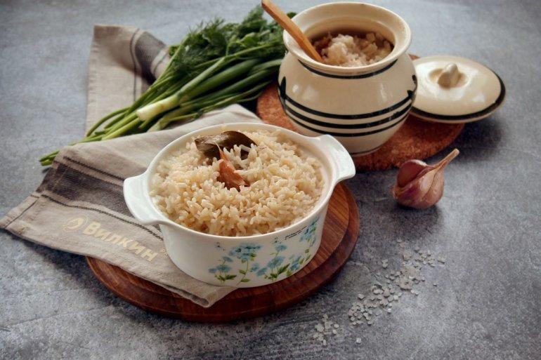 Рис в горшочках в духовке
