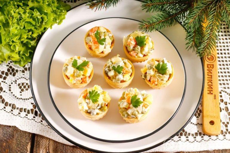 закусочные тарталетки с салатом