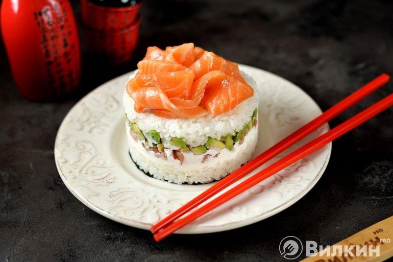 аппетитный суши-торт для праздничного стола