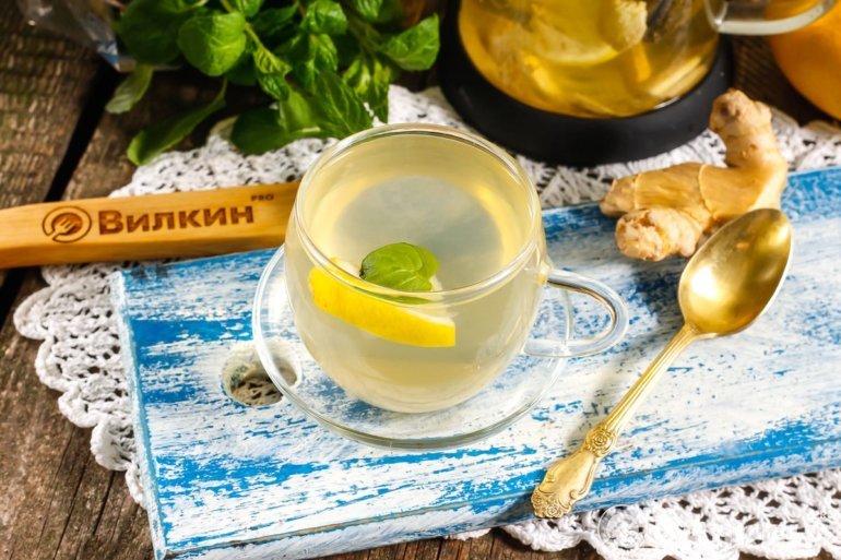 горячий чай из имбиря и лимона
