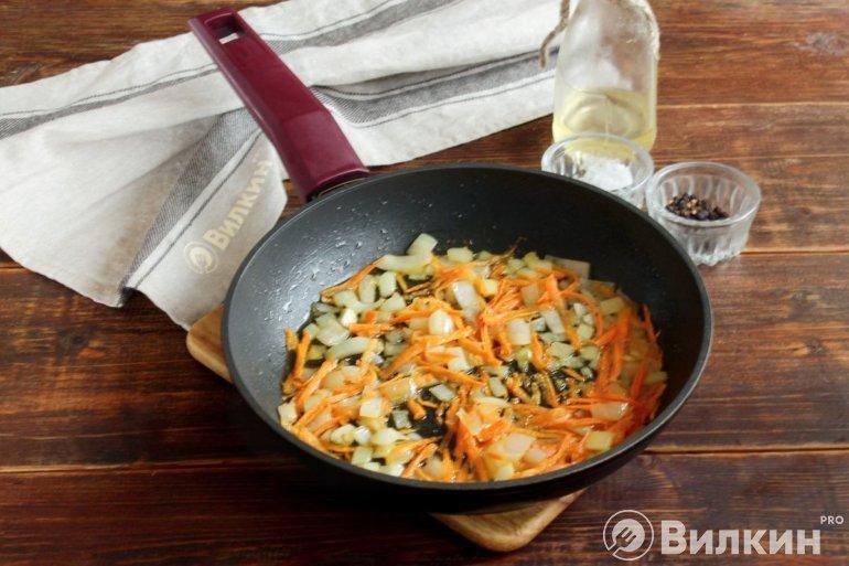 пассеровка лука с морковью