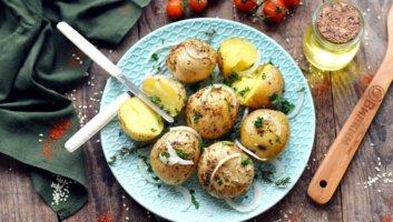 картошка в мундире в микроволновке