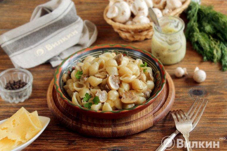 макароны с сыром в грибном соусе
