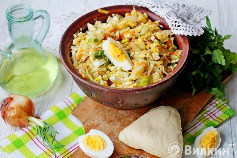 капустная начинка с яйцом и зеленым луком