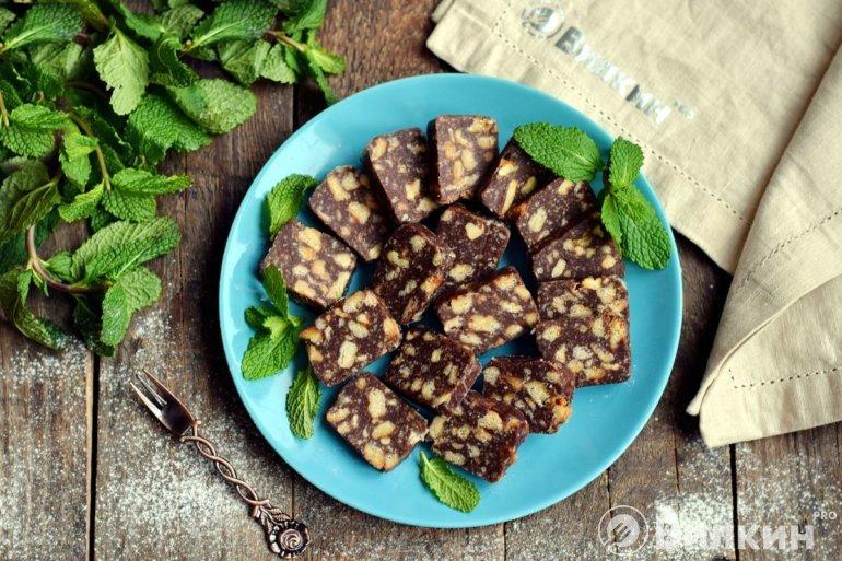 колбаска из печенья с какао
