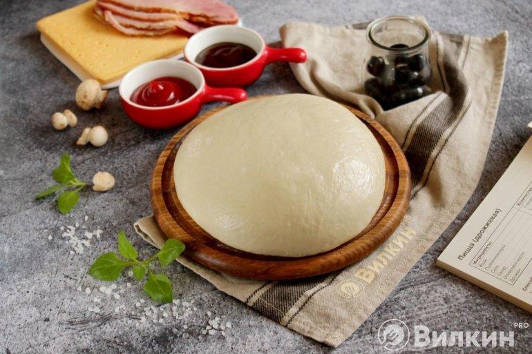 Дрожжевое тесто для пиццы в хлебопечке