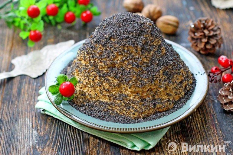 Торт «Муравейник» из печенья со сгущенкой