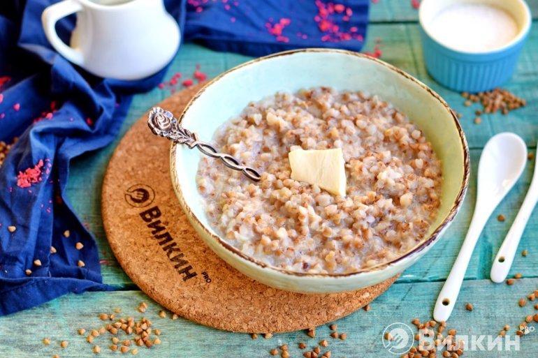 Гречневая каша на завтрак для ребенка и взрослого