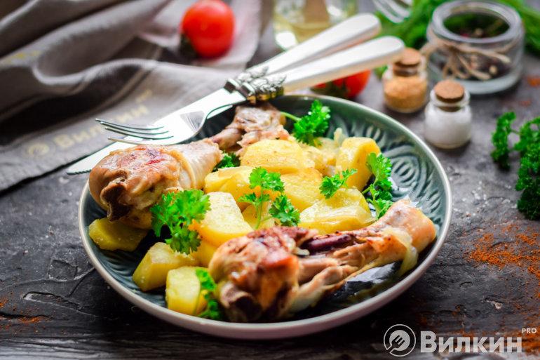 Запеченный картофель с курицей в рукаве