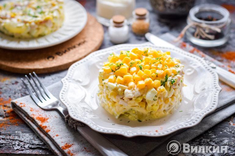 салат с ананасами курицей