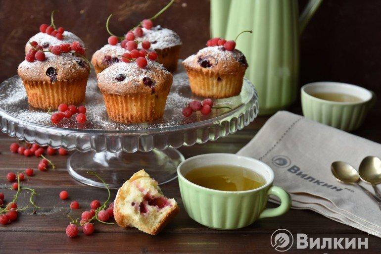 Творожные маффины с ягодами