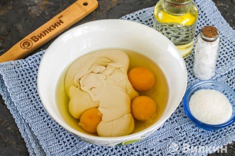 Яйца и ряженка