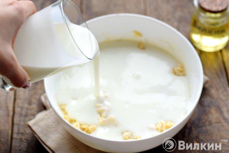 Разбавление массы йогуртом
