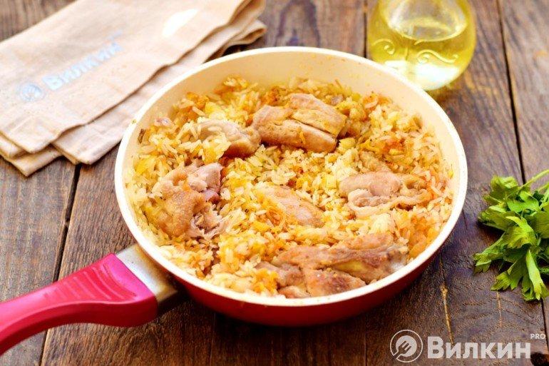 Соединение риса, овощей и курицы