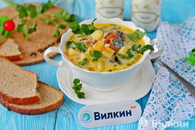 Суп с консервированной скумбрией и плавленым сыром