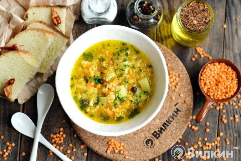 Вегетарианский суп из красной чечевицы