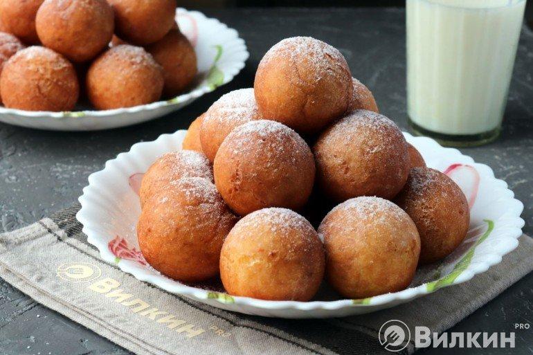 Творожные пончики, жареные в масле
