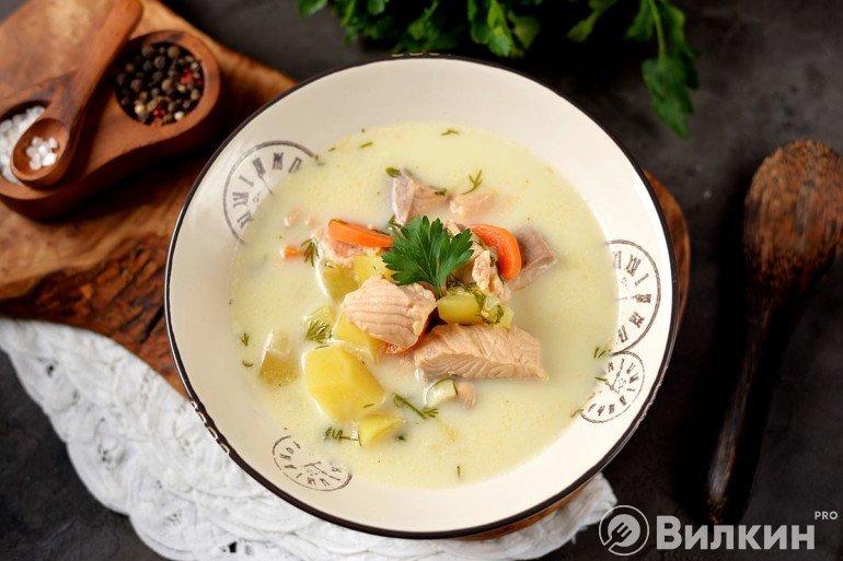 Рыбный суп из форели со сливками