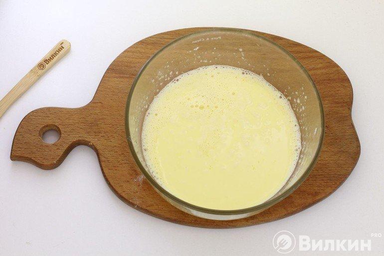 Введение масла в яйца