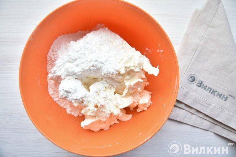 Сыр с пудрой